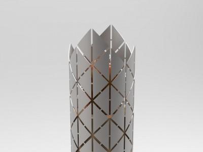 Krona, vrh Triglava Plamenico zaključuje najmočnejši simbol slovenstva, ki se troglavo pne v nebo kot gospodar vode, zemlje in zraka. Ponos, zmagovitost.